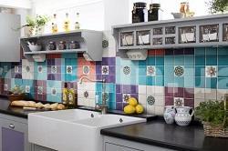 Кухня с плиткой