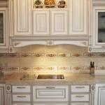 Модель Стреза. Фасад - МДФ крашеный, патинированный золотом. Заказать кухню в Киеве купить.