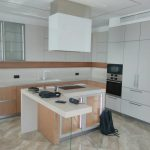 431. Современная кухня в потолок