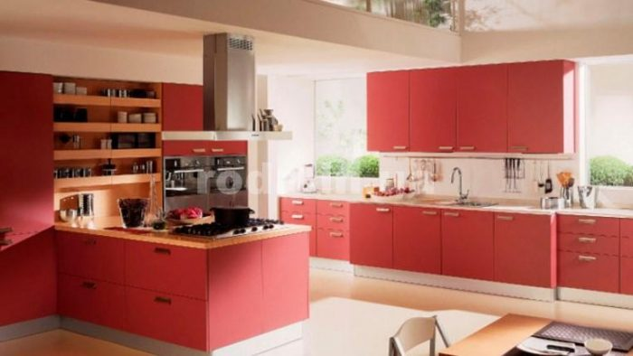 прктичный цвет кухни