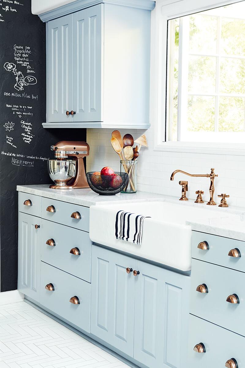 яркие шкафы для кухни - Рода