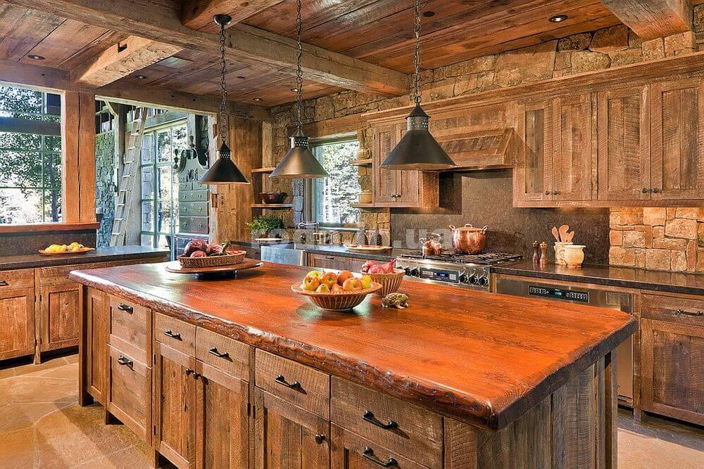 дерево в интерьере кухни