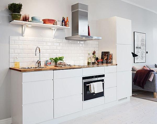 кухонный фартук на кухне в белом стиле