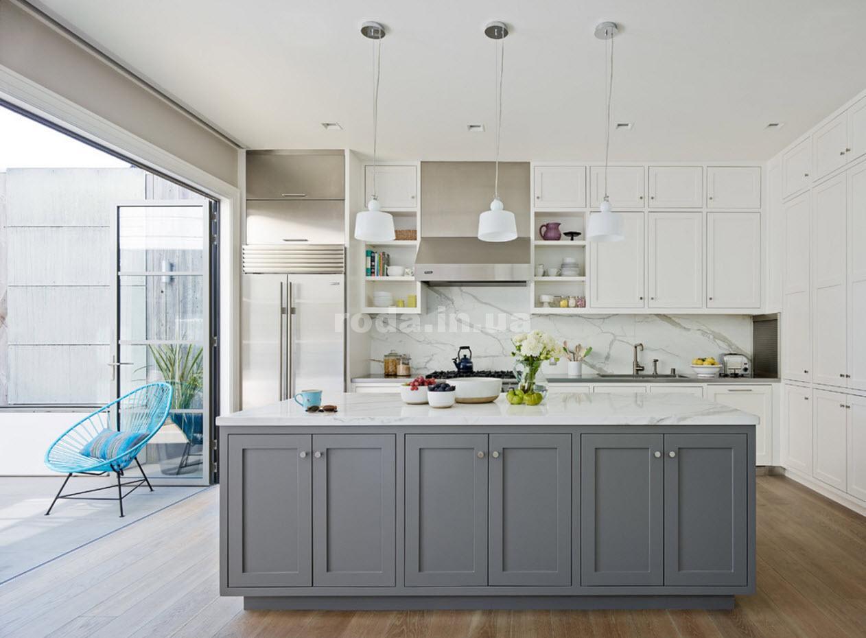 Кухня в серо-белых тонах