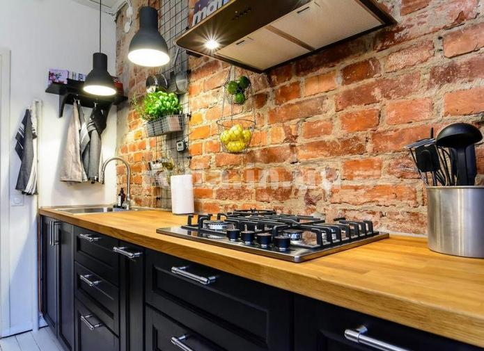 кухонный фартук на кухне