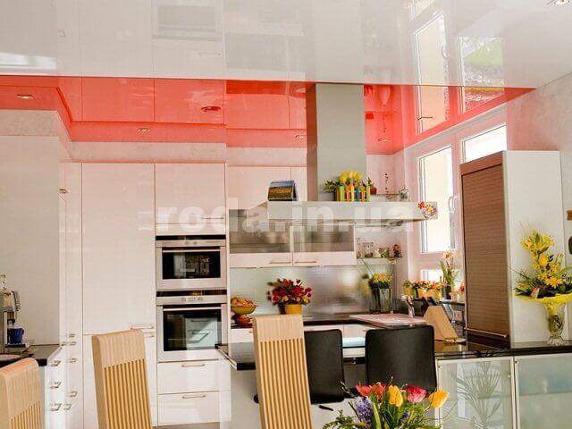 Кухня с натяжным потолком