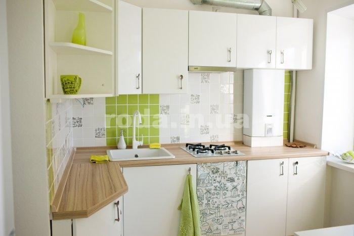 Интерьер кухни 6 кв м с газовой колонкой фото