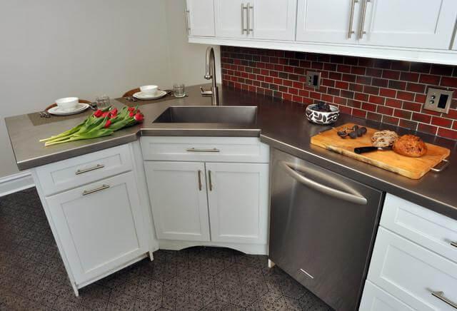 Угловая кухонная мойка