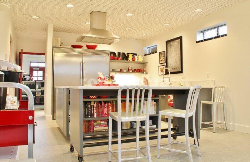 Кухонная передвижная барная стойка