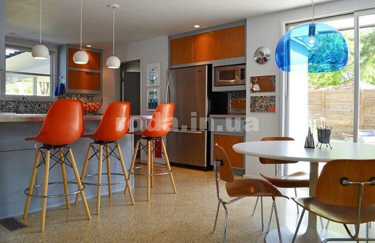 Разнообразные кухонные стулья