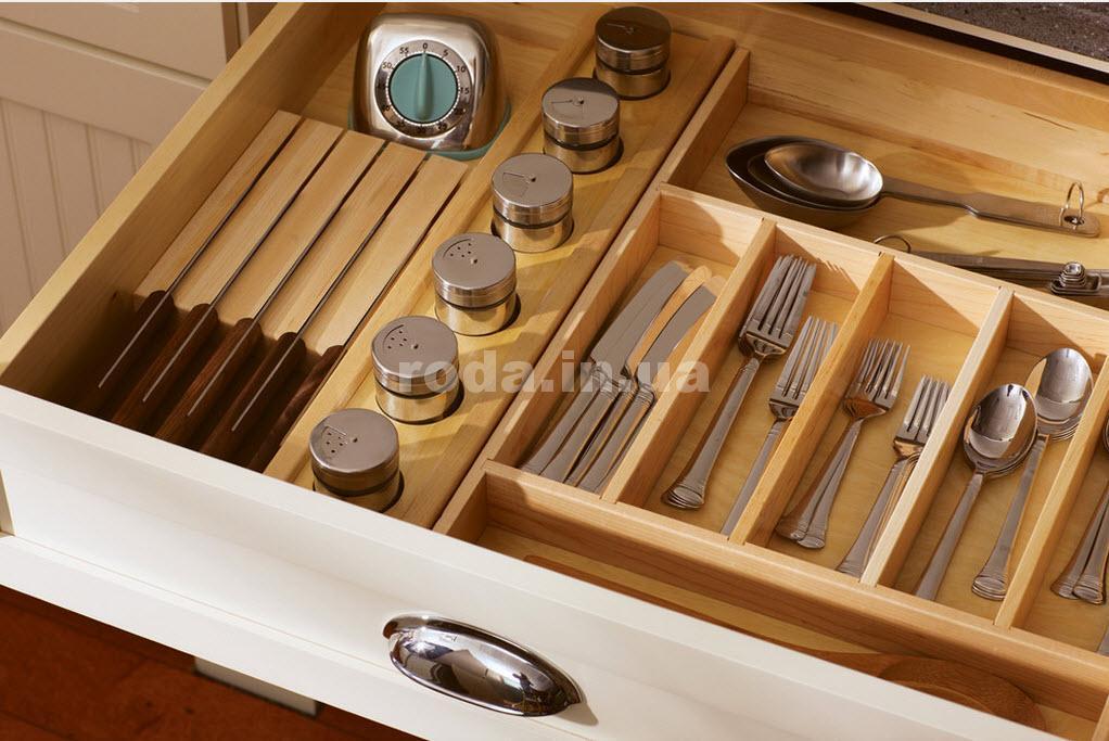 Полки и ящики на кухне