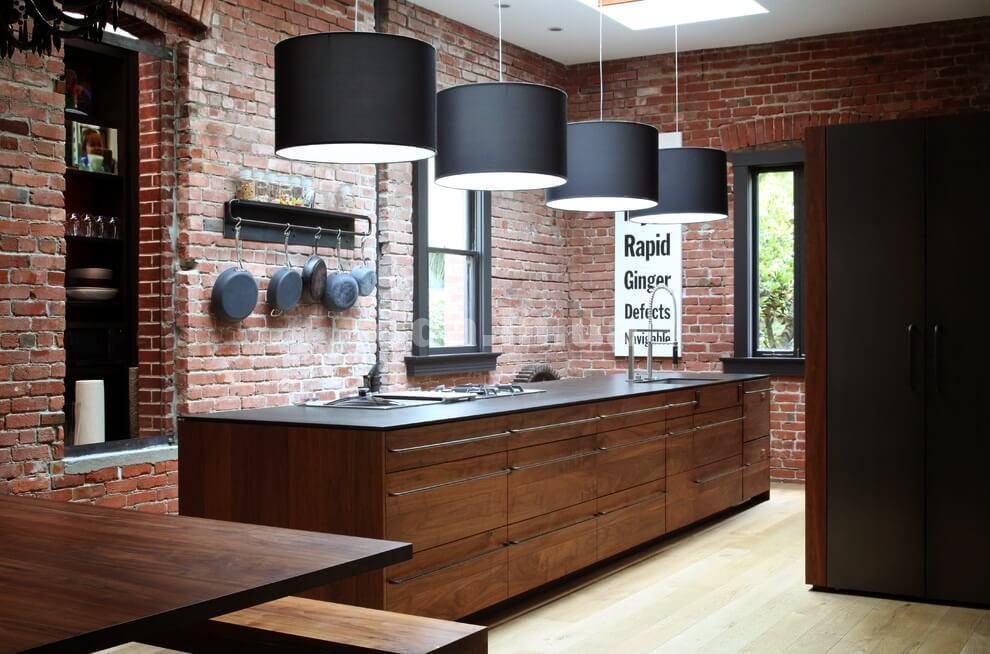 Прямая просторная кухня
