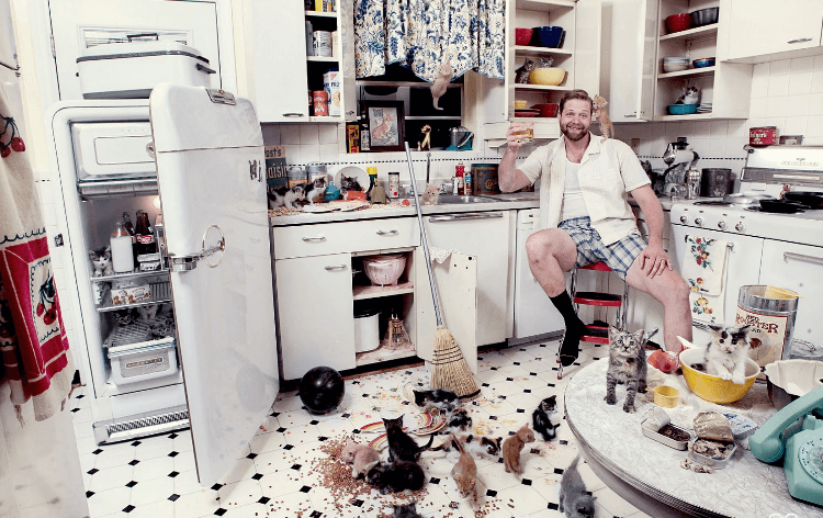 Убираем ненужные вещи с кухни