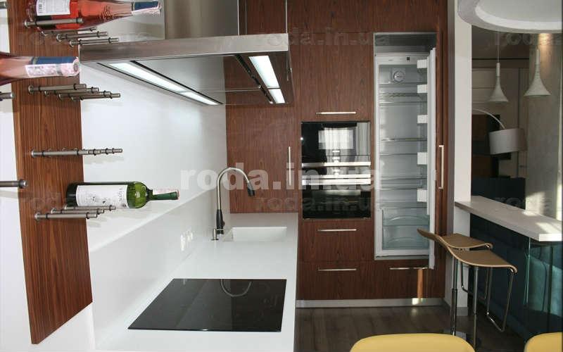 Встроенная кухня - фото